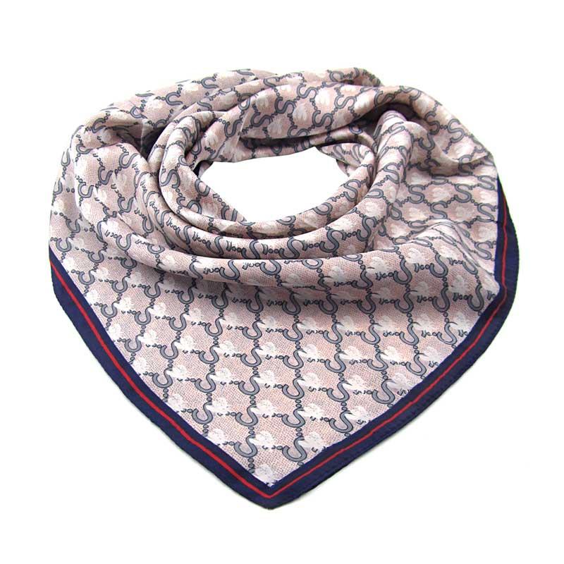 4c4ce81e902 Střední šátek starorůžový čtvercový